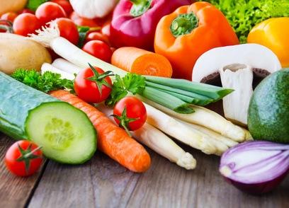 viele bunte Gemüsesorten