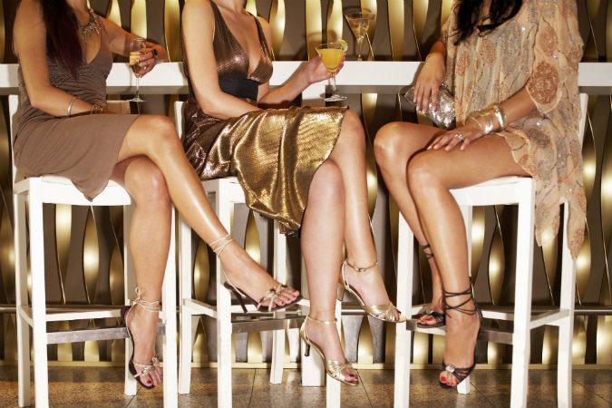 High Heels verwandeln eine normale Frau in eine heiße Verführerin