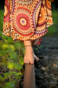 Hippiekleid und Füße