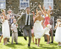 Was gehört in die perfekte Hochzeitszeitung?