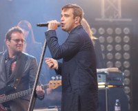 Robbie Williams singt