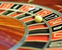 Roulette Kugel auf einem Roulettespiel