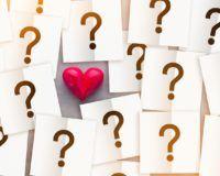 Sind Justin Bieber und Selena Gomez wieder zusammen? Bild mit Fragezeichen und Herz