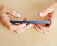 Handy-Sucht: Smartphone App warnt vor Abhängigkeit