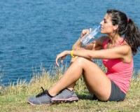 Im Sommer sollten Sie sich beim Sport Trinkpausen gönnen
