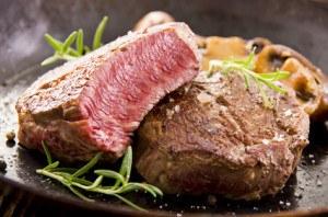 Steaks in der Pfanne