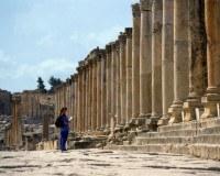 Tourist vor dem Artemis Tempel