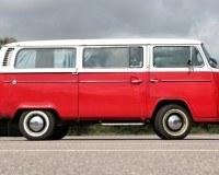 Der VW Bus gehört ebenfalls in die 60er Jahre