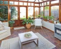 Einen Wintergarten für gemütliche Stunden errichten - doch was kostet der?