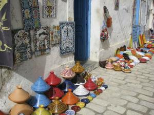 Auf dem Markt lassen sich schöne Andenken an den CLuburlaub in Djerba ergattern.