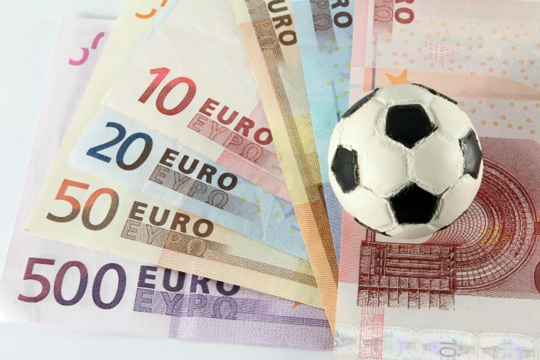 Geld mit Fußball verdienen