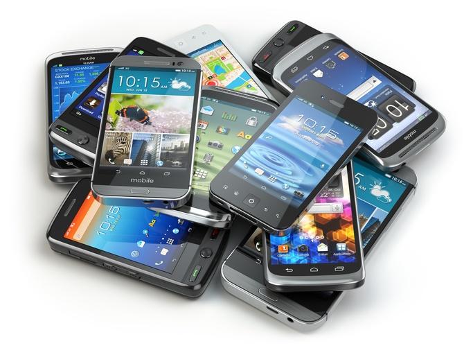 Viele Handys auf einem Haufen