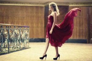 Ein schickes Abendkleid braucht hohe Schuhe!